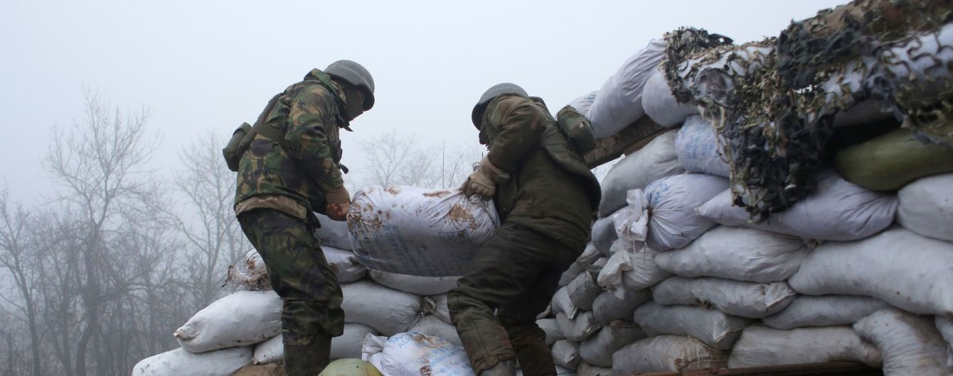 На Донбасі окупанти влучили протитанковою ракетою у вантажівку: загинув український військовий