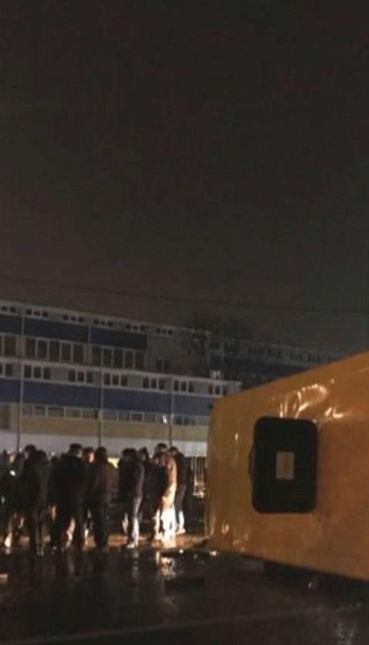 Переполненная маршрутка столкнулась с легковушкой и перевернулась в Нововолынске