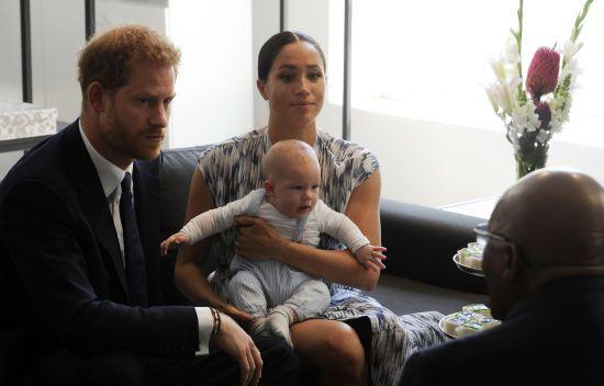 Принц Гаррі та Меган представили різдвяну листівку з 7-місячним сином