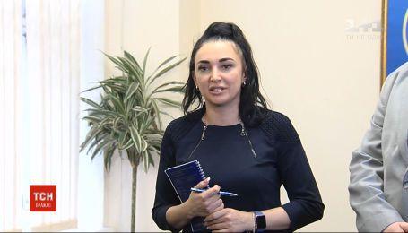 На экс-заместителя председателя миграционной службы Дину Пимахову надели электронный браслет