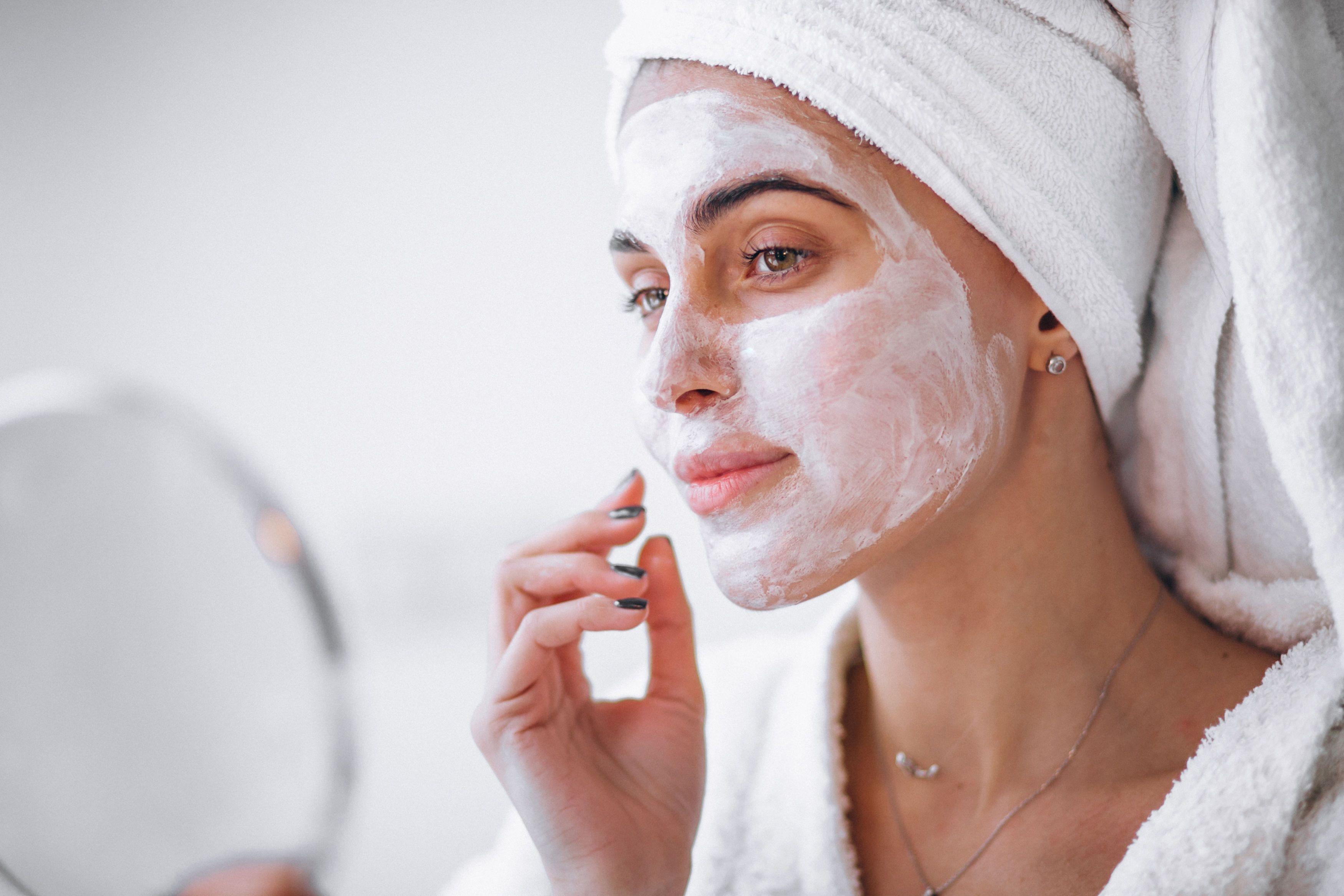 Маска для обличчя, космелотог, догляд за шкірою