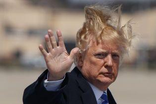 """Трамп підписав бюджет на 2021 рік із $900 млрд допомоги економіці, який називав """"ганебним"""""""
