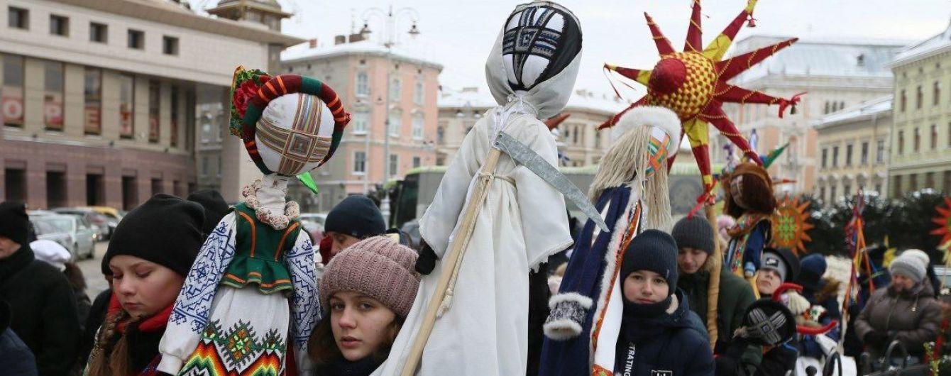 """""""Я сам собі керівник"""". На Волині митрополит ПЦУ відсвяткував Різдво 25 грудня і спровокував суперечку"""