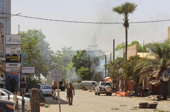 У Буркіна-Фасо стався напад на церкву: десятки загиблих