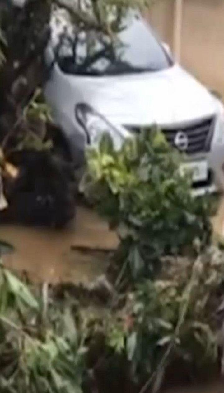 Филиппины страдают от разрушительного тайфуна: один человек погиб