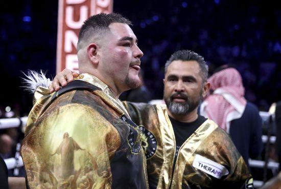 Руїс ігнорує тренера після поразки від Джошуа