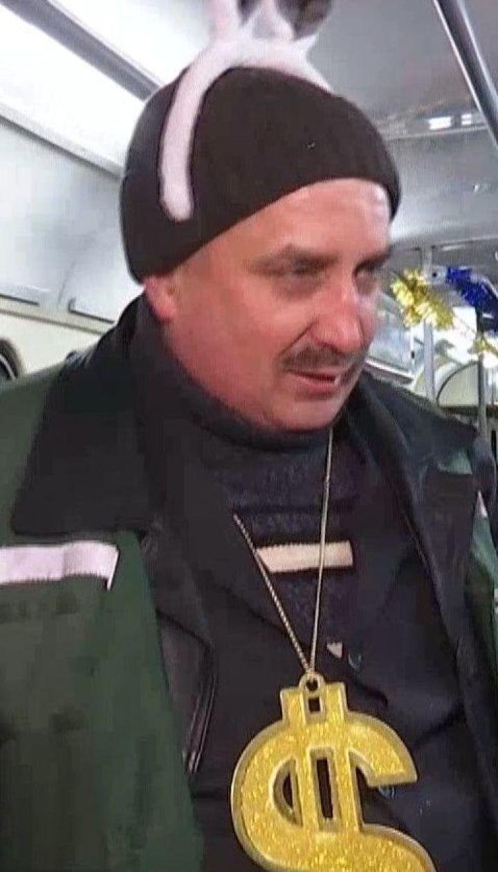 Музыкальный трамвай курсировал по Киеву: как ТСН с колядками и песнями возила людей на работу