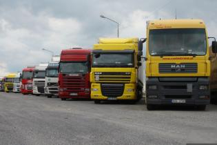 В Украине планируют брать дополнительную плату за проезд иностранных фур
