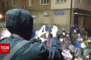 В Киеве продолжается акция-протест возле Лукьяновского СИЗО