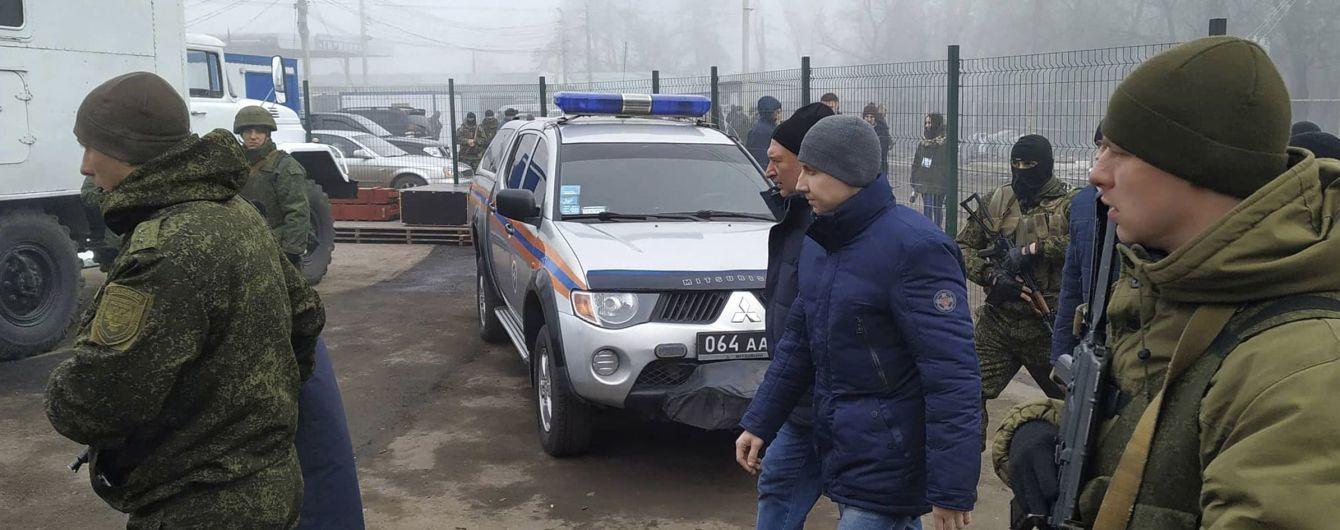 """Боевики """"ЛНР"""" передали 25 украинских пленных. Список освобожденных лиц"""