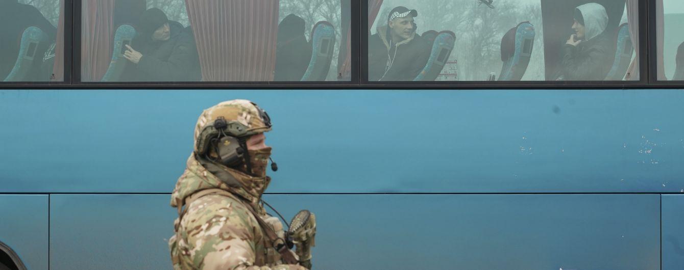 Офіс генпрокурора розпочав допити звільнених із полону бойовиків українців