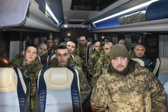 Звільненим з полону терористів на Донбасі виплатять по 100 тисяч гривень