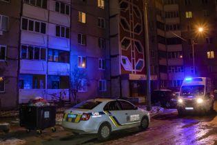 В Киеве молодая женщина выпала с балкона 13 этажа и разбилась