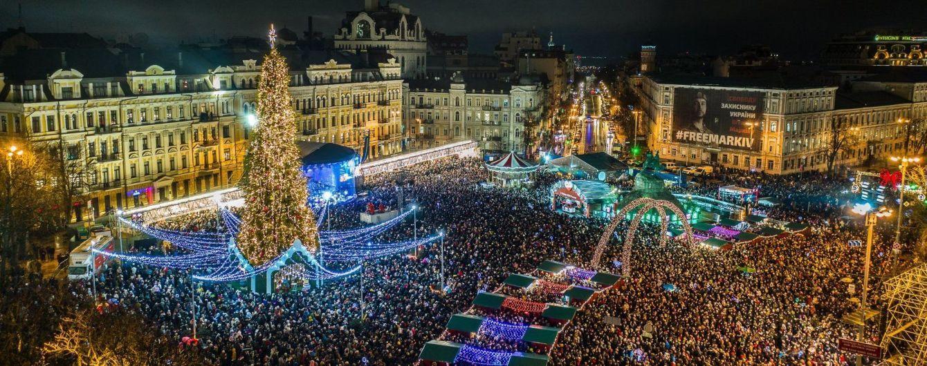 Скільки людей зустріло Новий рік біля головної ялинки у Києві. У КМДА назвали цифру