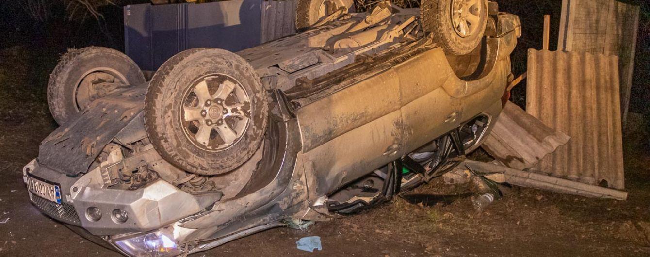 В Днепре пес спровоцировал ДТП, машина перевернулась на крышу