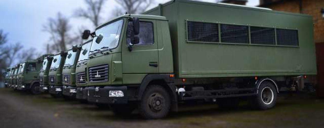 """В Україні створили автобус для спецслужб на базі """"МАЗа"""""""
