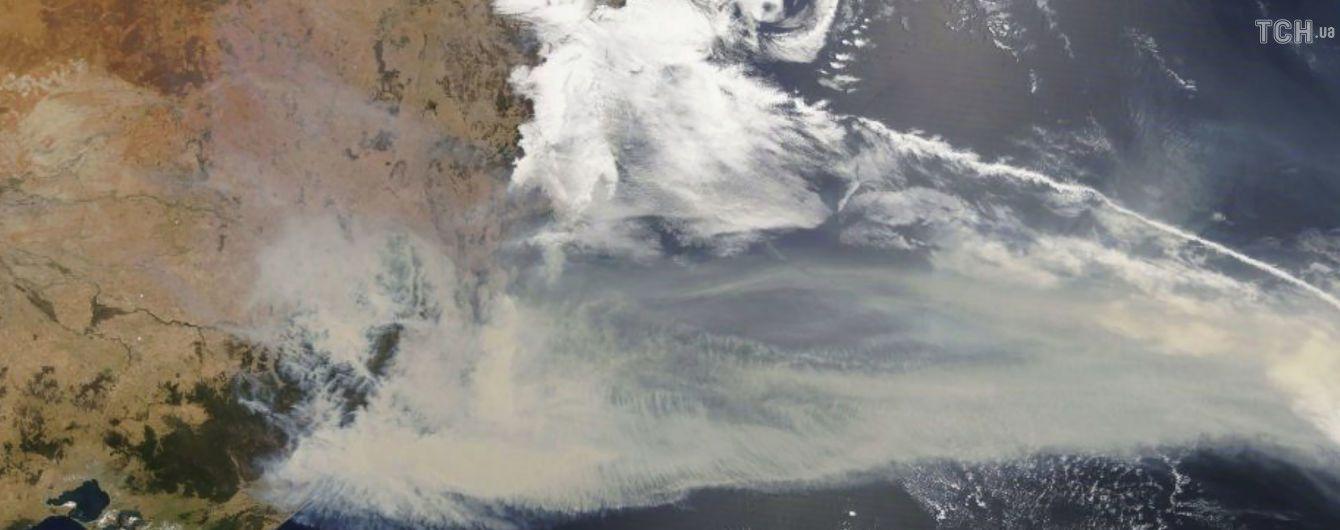 В Австралії врятували тисячі людей від пожежі, яка взяла людей у кільце на пляжі