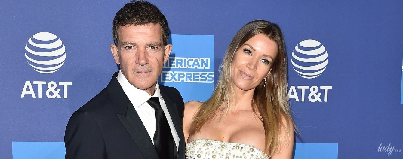 Підкреслила декольте: подруга Антоніо Бандераса вийшла разом з актором на червону доріжку