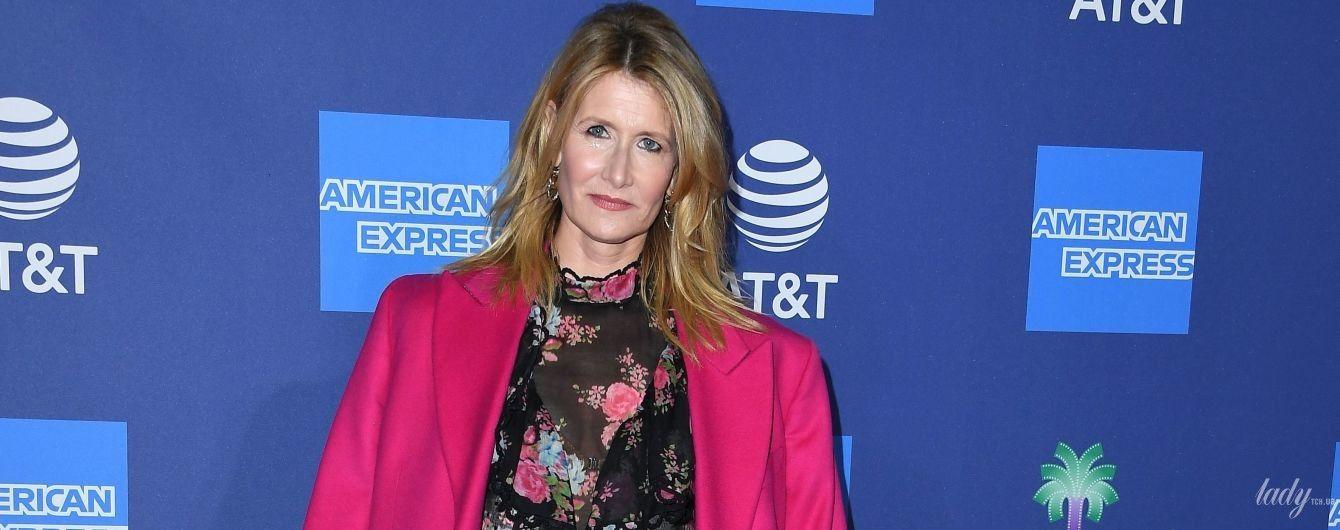 У квітковій сукні та рожевому пальті: красива Лора Дерн відвідала кінофестиваль