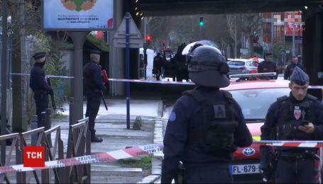 Мужчина в пригороде Парижа устроил резню: один из пострадавших скончался