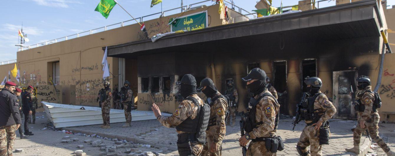 """В Ираке перед посольством США упала ракета """"Катюша"""" - СМИ"""