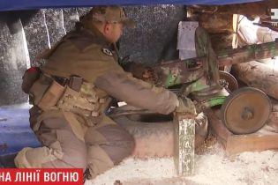 """На фронте бойцы обороняются с помощью 77-летнего пулемета """"Максим"""""""