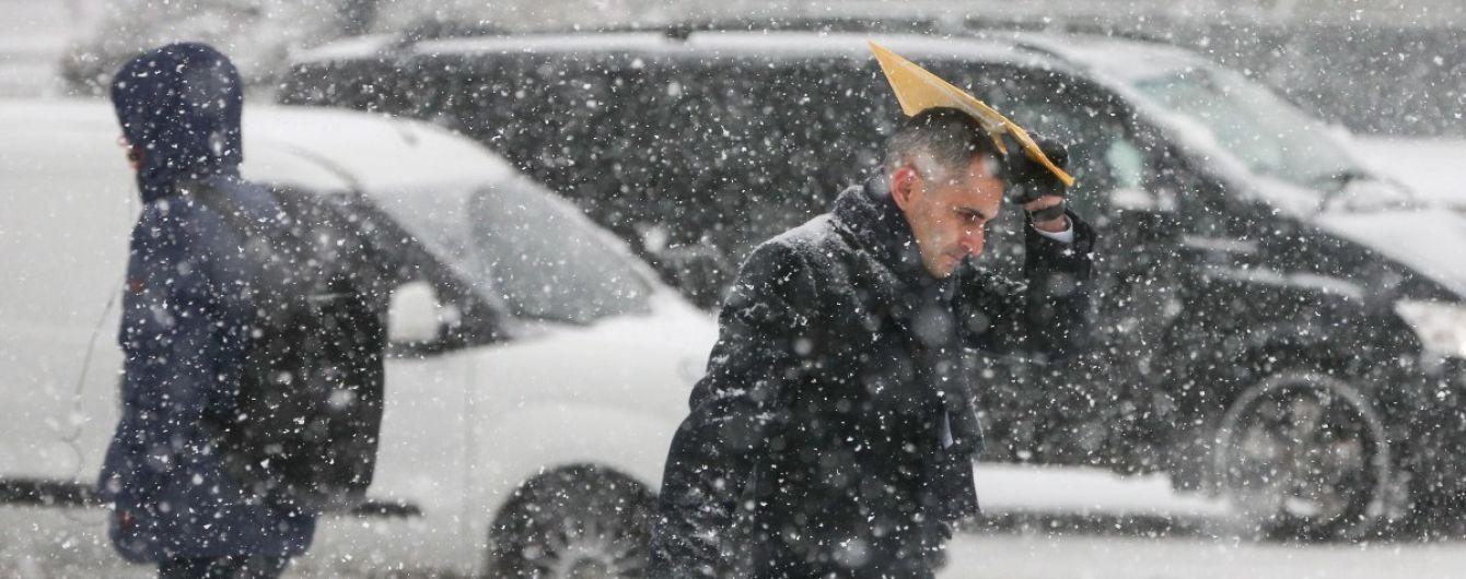 16 градусів морозу і пів метра снігу. До України суне небезпечна негода