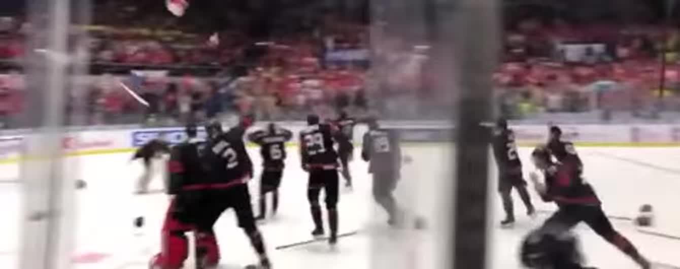 Відігралися з 1:3. Канада перемогла Росію у фіналі молодіжного Чемпіонату світу з хокею