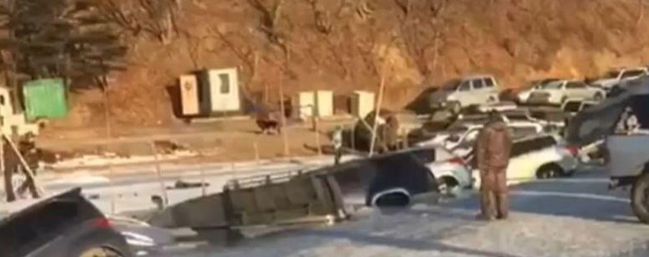 В России несколько десятков машин рыбаков провалились под лед