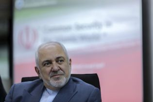 """Заріф прокоментував рішення Ірану не віддавати """"чорні скриньки"""" зі збитого літака МАУ"""