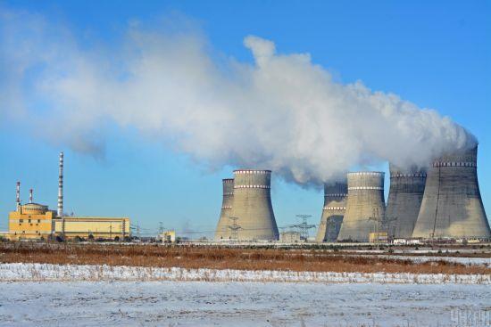На Рівненській АЕС відключили один з енергоблоків