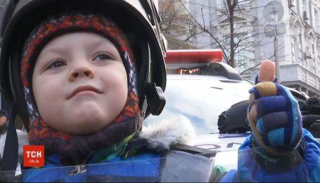 В 37 городах Украины патрульные устроили акции для детей и взрослых