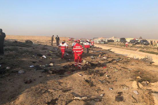 """Катастрофа українського літака. В Ірані стверджують, що """"чорна скринька"""" сильно пошкоджена"""