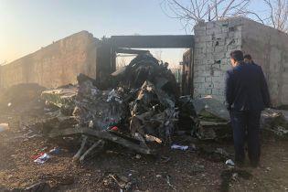 У украинского пассажирского самолета горел двигатель – власти Ирана