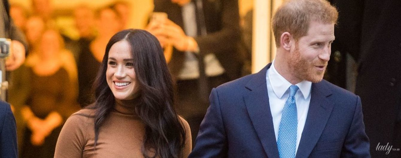 Засвітила білизну в бюджетній водолазці: герцогиня Сассекська і принц Гаррі відвідали Канада Хаус