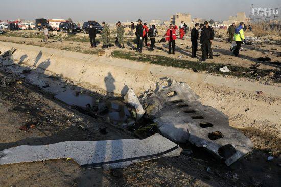"""У РНБО назвали """"таємні"""" версії, які розглядалися під час розслідування авіакатастрофи в Ірані"""