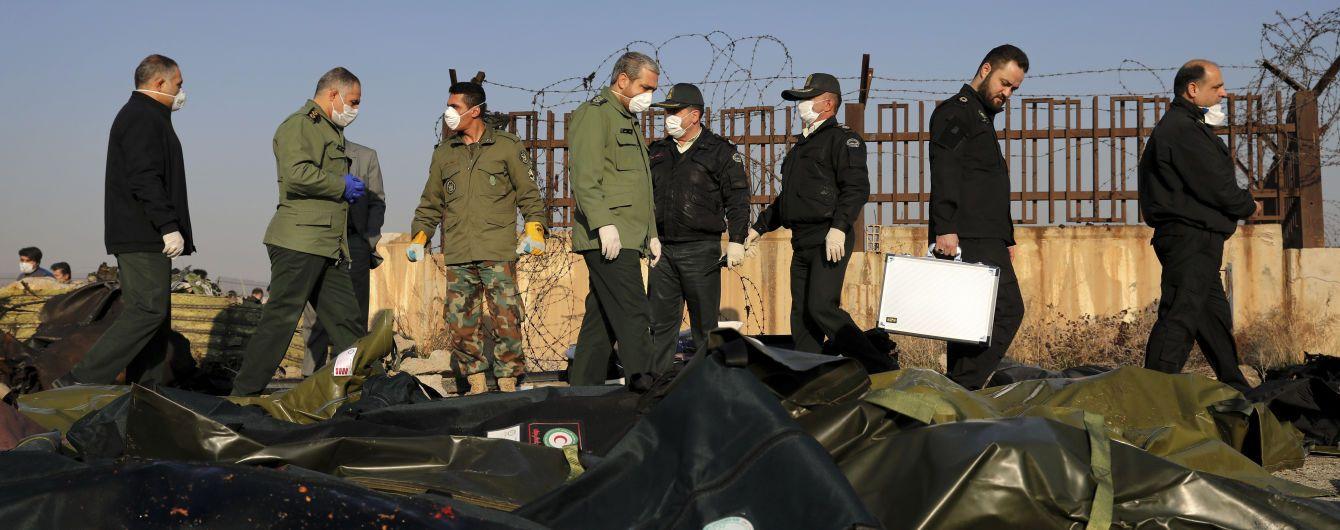 """Иран назвал """"большой ложью"""" версию, по которой украинский самолет под Тегераном сбила ракета"""
