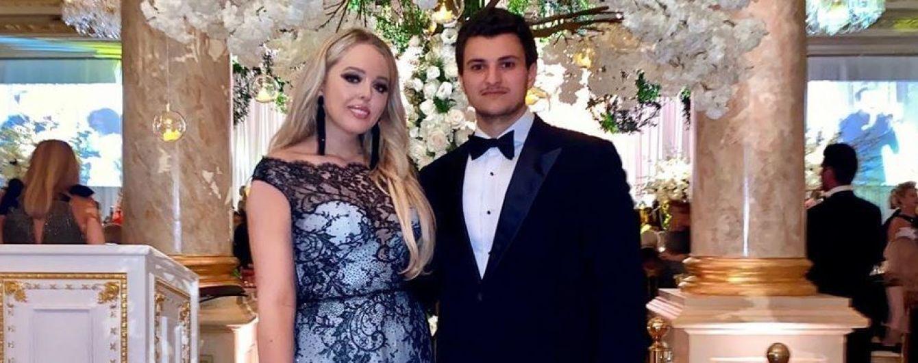 В кружевном платье и в объятиях бойфренда-миллиардера: Тиффани Трамп поделилась милым фото