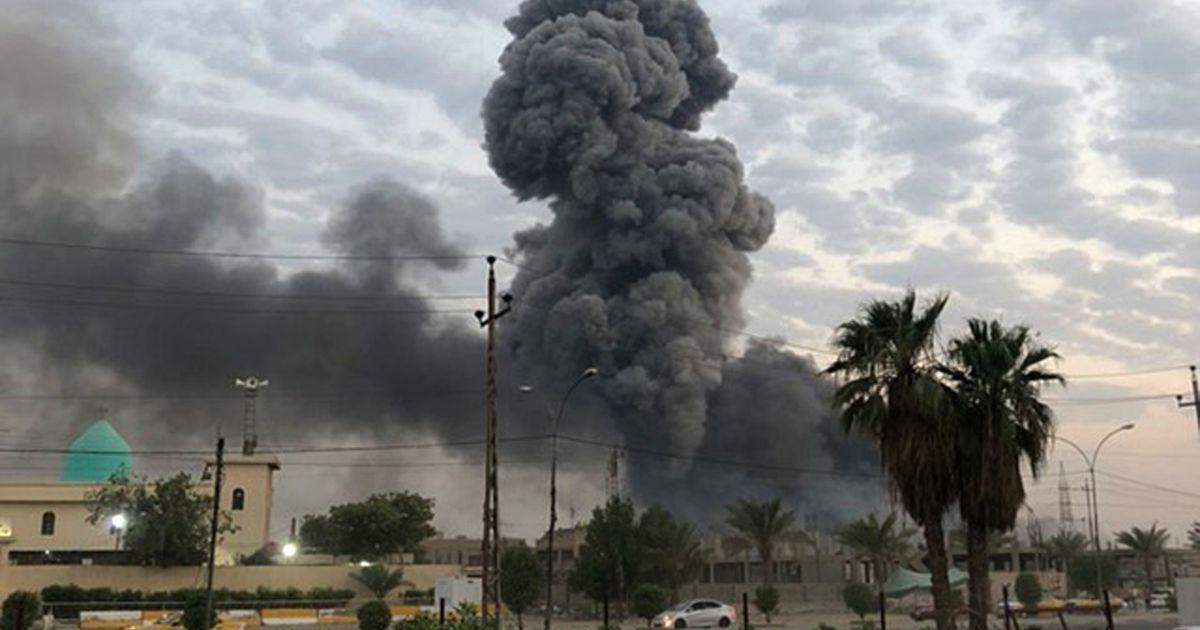 В Ираке в результате ракетного обстрела погиб гражданский и пострадал американский военный