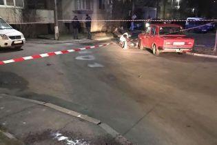 Пробило ладонь насквозь: в Борисполе из арбалета подстрелили чиновницу