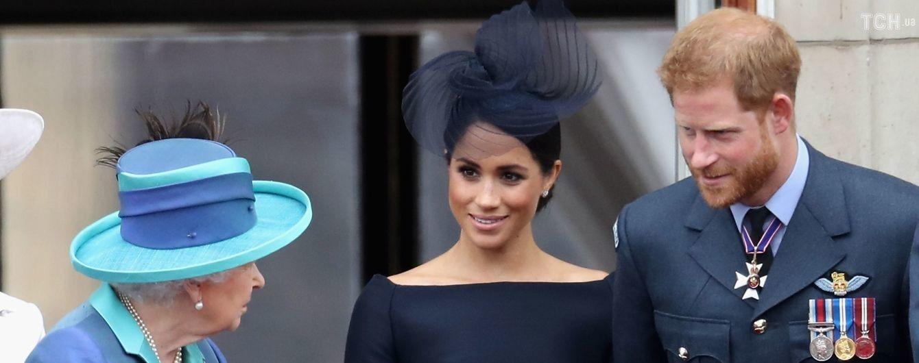 Елизавета II отреагировала на решение Меган и Гарри выйти из королевской семьи