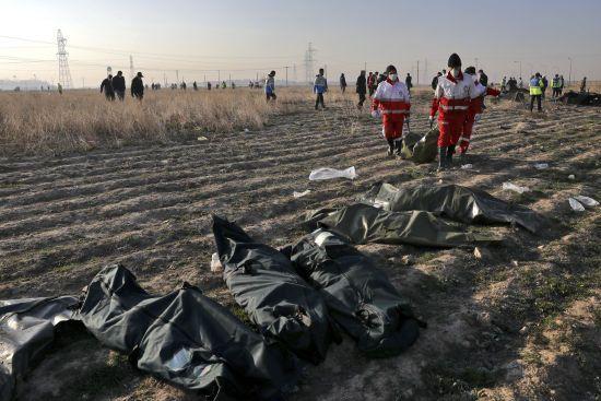 """""""Хтось має брати на себе репутаційні ризики"""": Данілов пояснив першу неправдиву заяву про причини падіння літака в Ірані"""