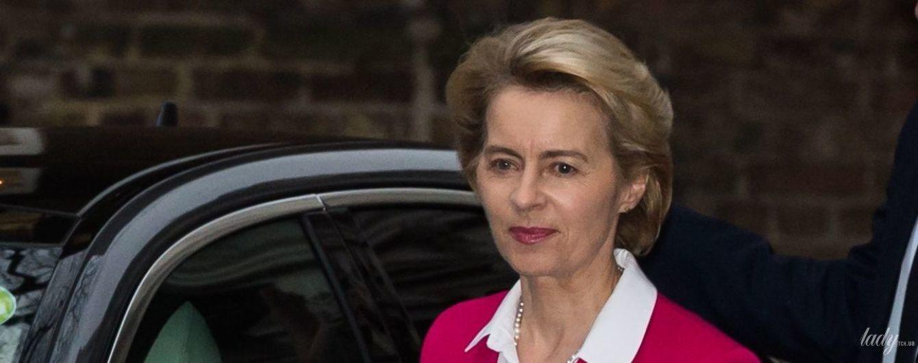 В малиновом жакете и с розовой помадой: глава Европейской комиссии на встрече с Борисом Джонсоном