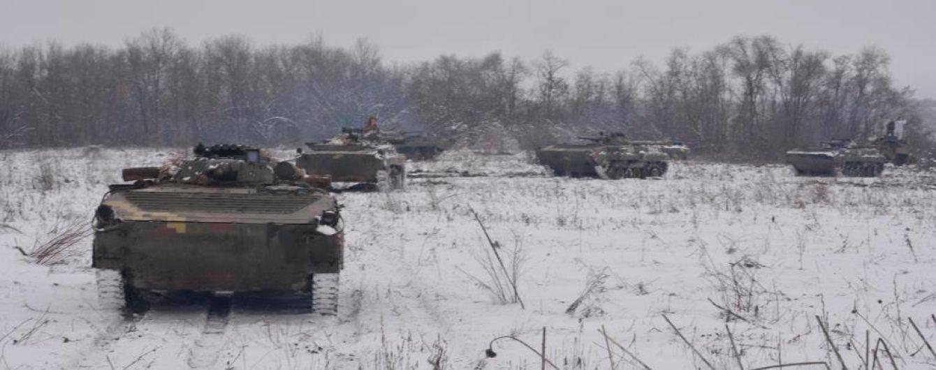 Террористы 12 раз стреляли на Донбассе: трое бойцов ООС ранены