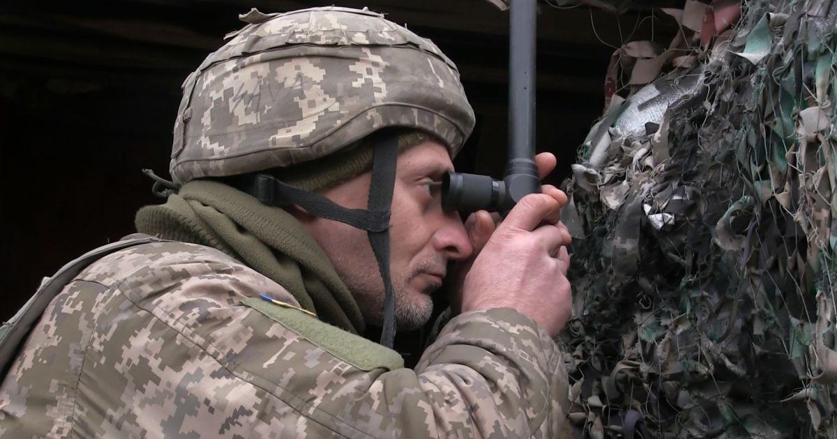 На Донбасі бойовики 12 разів порушили режим припинення вогню: гатять із забороненого озброєння
