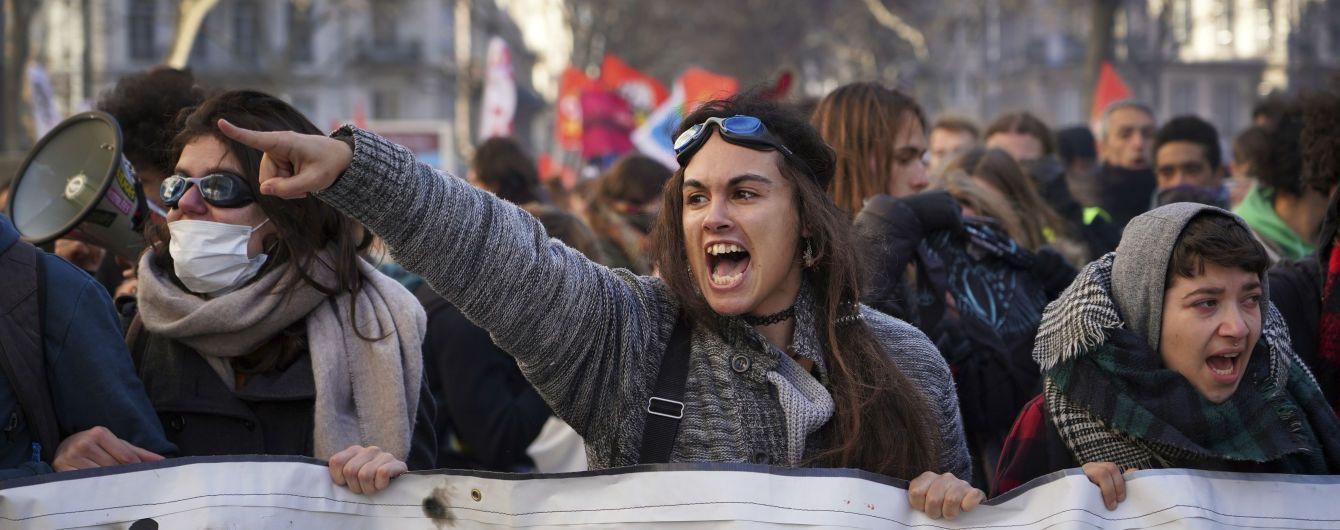 Больше 450 тысяч французов вновь протестовали против пенсионной реформы