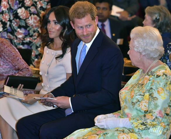 Герцогиня Меган и королева Елизавета II_2