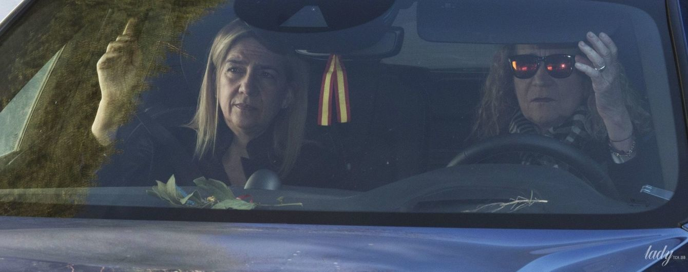 В объективах папарацци: принцессы Елена и Кристина были запечатлены на улицах Мадрида