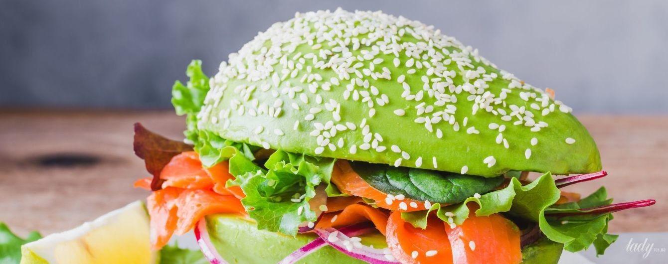 Авокадо: як обрати, обробити і з чим їсти