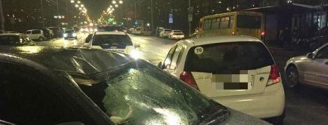 У Києві авто збило на смерть дідуся, який не встиг перейти дорогу на зелене світло
